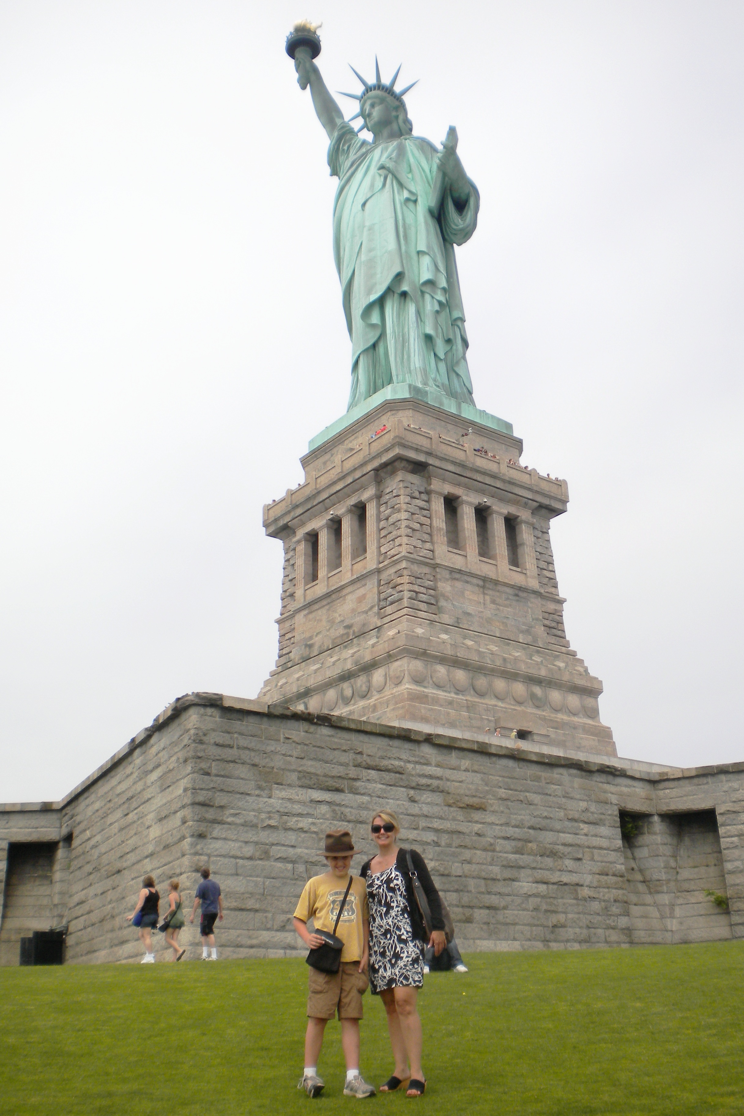 Welcome to america a visit to the statue of liberty ellis island buycottarizona Gallery
